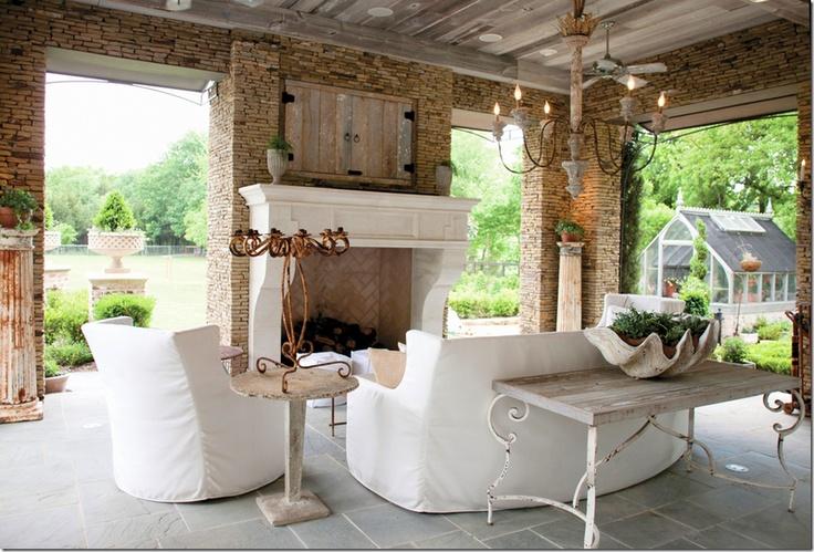 verandah... like the table...