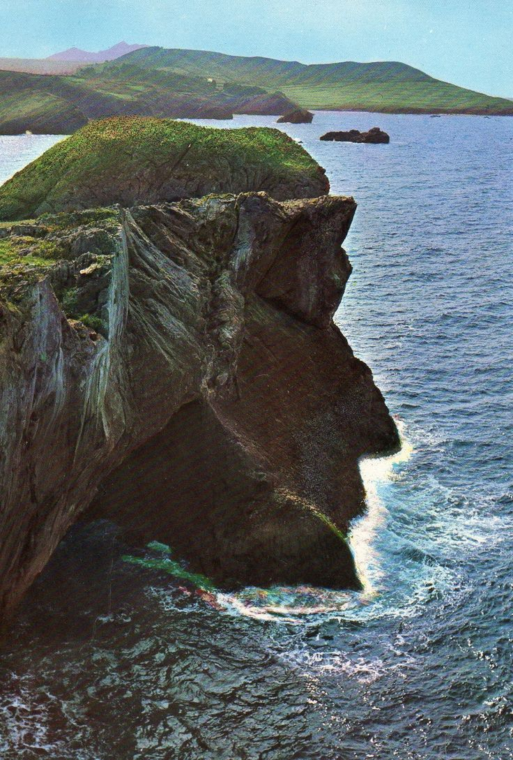 EL CRISTO DE CELORIU, Asturias, España.  I can see the profile of a man in here, can anyone else?