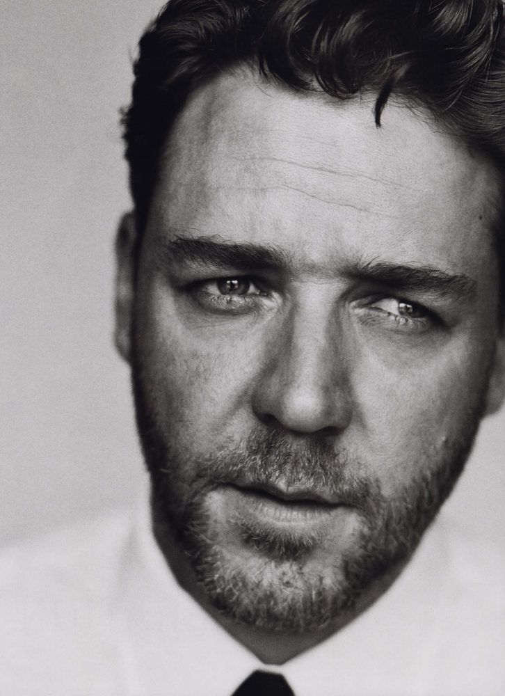 Academy award winner Russell Crowe lives in Australia but is a native of New Zealand. For some strange reason he has not been given citizenship?