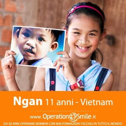Si chiama Ngan e vive in Vietnam. Nel 2002, lei e la sua famiglia hanno percorso chilometri perché venisse visitata e operata. Oggi vi regaliamo il suo splendido sorriso.