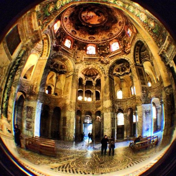 Basilica di San Vitale, Ravenna - @minghen by Turismo Emilia Romagna, via Flickr