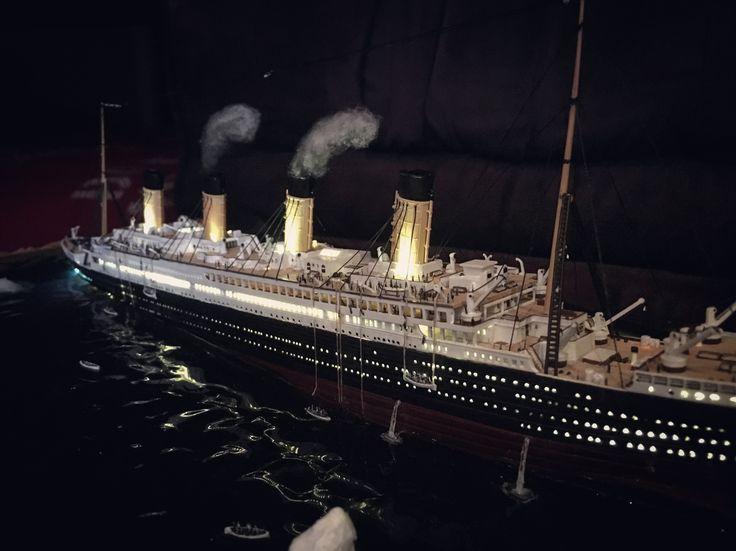 Titanic sinking diorama