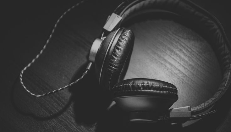 The Best 11 Podcasts For Real Estate Agents in 2017