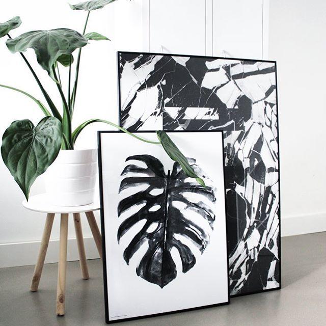 Morning! #livingroom #poster #theposterclub #bygarmi #playtype #locker #plant #ikea #kwantum #gietvloer #myhome #interior #styling