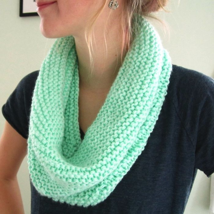 Learn all the basics of how to knit and crochet with these easy beginner tutorials and patterns.