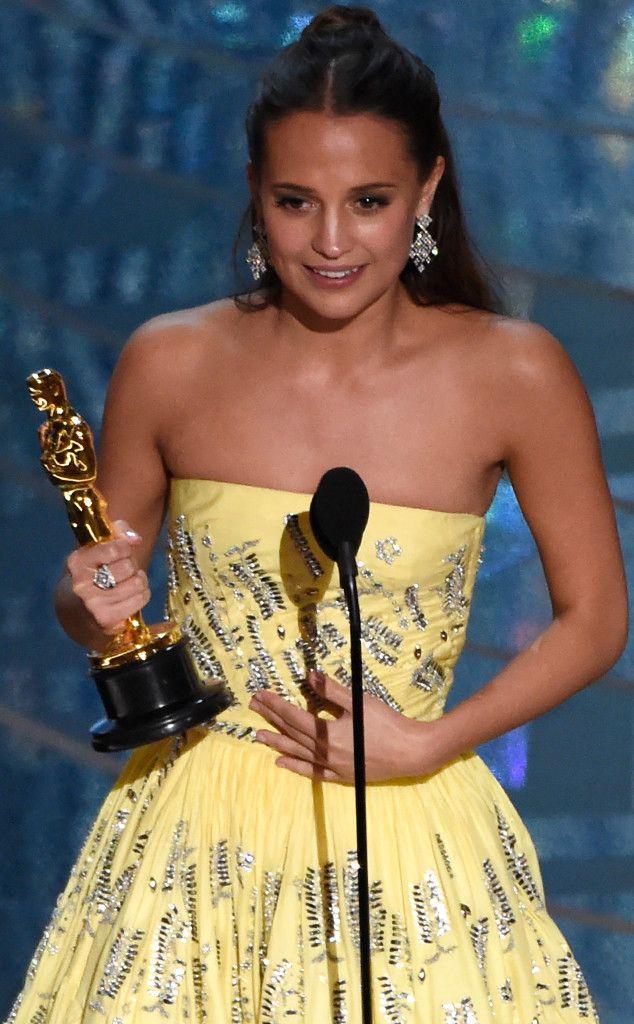 Alicia Vikander from Oscars 2016: Winners | E! Online