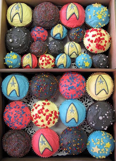star trek/mario cupcakes