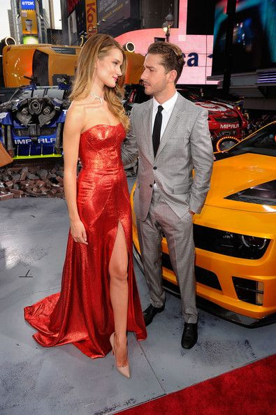 """Rosie Huntington Whiteley and Shia LaBeouf @ """"Transformers: Dark Side Of The Moon"""" New York Premiere  Love these two<3"""