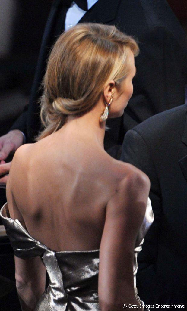 El peinado dejó en evidencia los diferentes tonos de rubio del cabello de Stacy