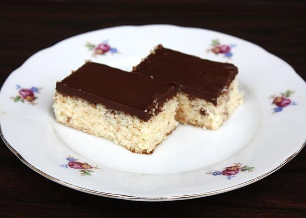 Jednoduchý kokosovo čokoládový koláč bez múky, Zákusky, recept | Naničmama.sk