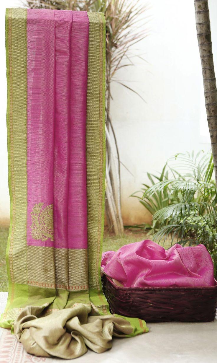Lakshmi Handwoven Banarasi Silk Sari 000382 - Sari / All Saris - Parisera