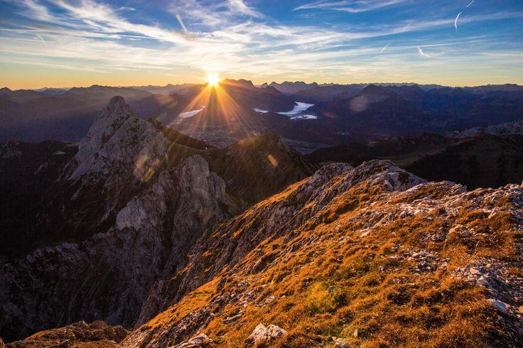 Abwechslungsreiche Bergtour hoch über dem Tannheimer Tal mit großer Aussicht und spannendem Finale.