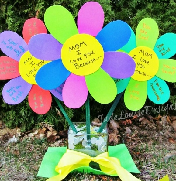 Mothers Day Craft Ideas for Kids!  This would be cute for grandma!!!