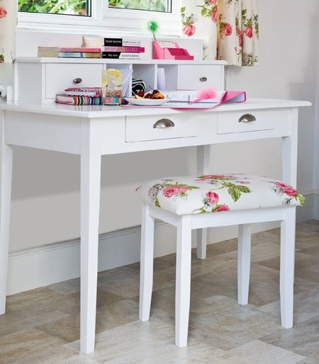 12 Pretty Feminine DIY Dressing Tables And Vanities | Shelterness