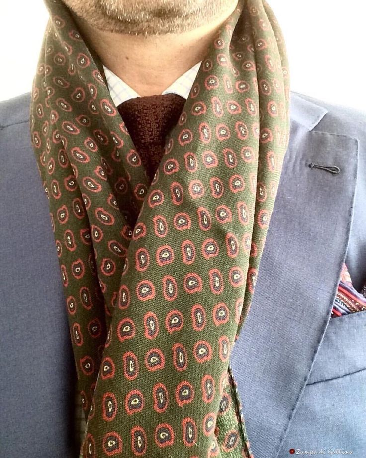 ZAMPA DI GALLINA — Cababrese 1924 wool scarf & silk knitted necktie...