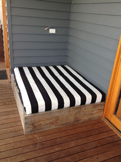 How to make a simple outdoor Day Bed Tutorial