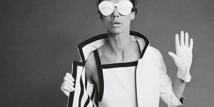 CourrègeswasTHEword in fashion in the late1960s until themid-1970s saw the brand fade. Decades later, witharenewed interest in the mid to late 1960s in fashion, architecture and design,Courrèges is back.