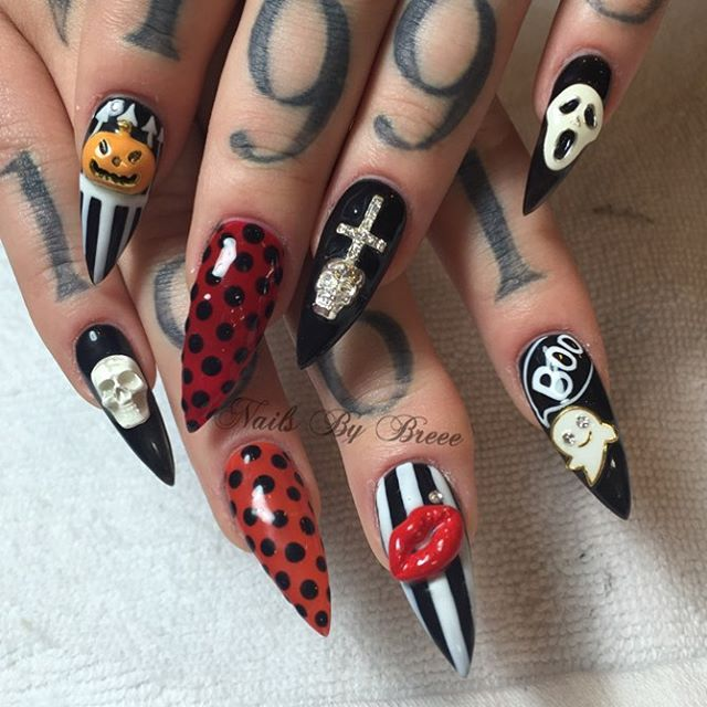 Halloween stiletto nails @KortenStEiN