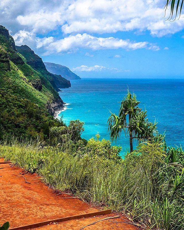 Kalalau Trail   https://www.instagram.com/p/BWEjZbigBF6/   routard,kauai,ourlonelyplanet,awesome,hiking_collective,neverstropexploring,hawaiilife,lslandlife,ourplanetdaily,hawaii,hawaiitag,nomadjunkie,beautifuldestinations,hiddenplace,worldheritage,hawaiinstagram,hikingtheglobe,quebec_travelers,nomademag,hikingculture,lethawaiihappen