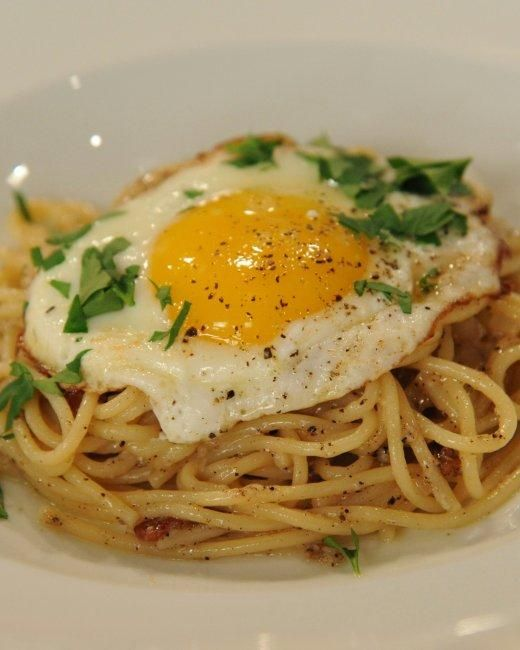 Late-Night Pasta Recipe -- Gotham Bar and Grill chef Alfred Portale's take on classic spaghetti carbonara