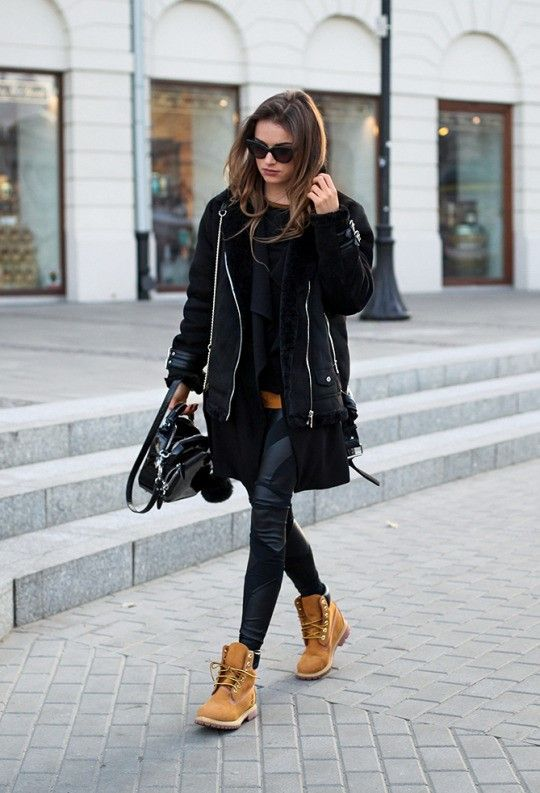 Julietta Kuczyńska wears a pair of Timberlands in a more androgynous style; rocking this cool and edgy shearling jacket and leather leggings combination. Timberlands really will make the perfect addition to your tomboy look! Blouse: Vintage, Coat:...