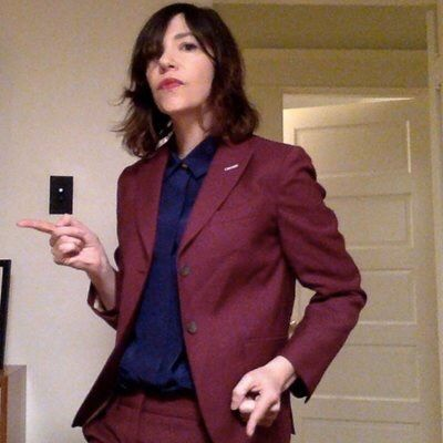 Dynamite outfit. Carrie Brownstein.