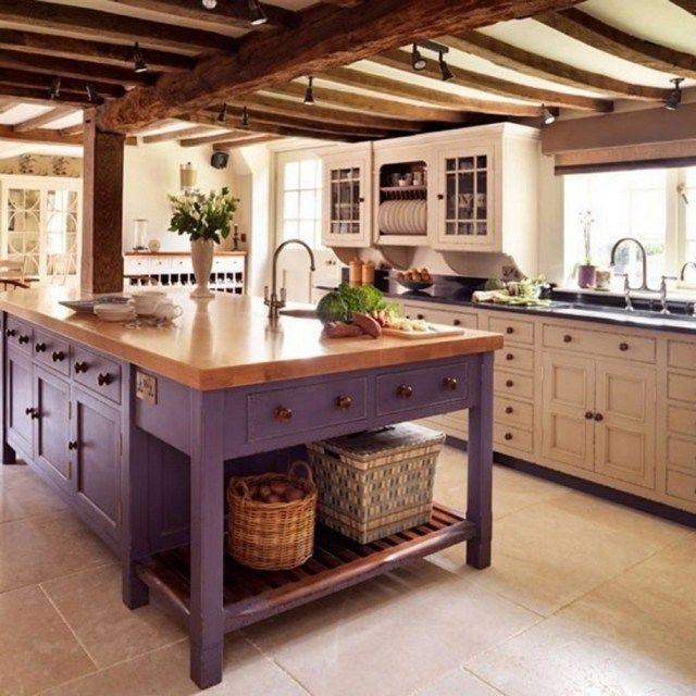 meuble vintage: îlot de cuisine en bois peint violet