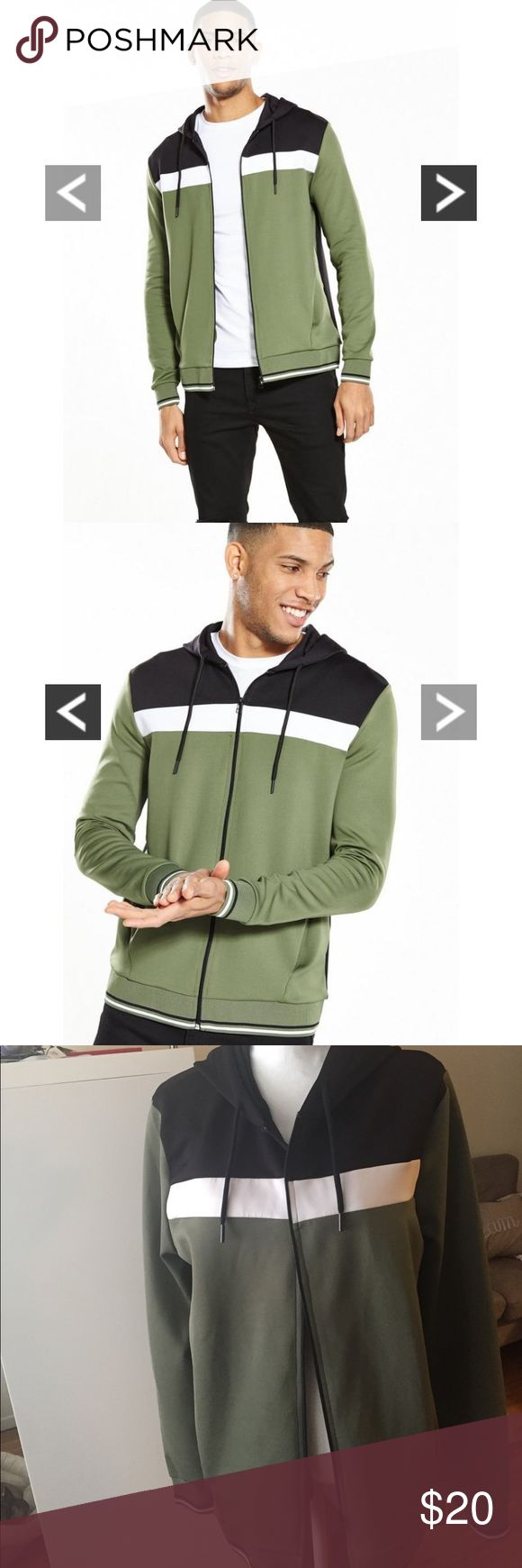 River Island Men's Hoodie (M) This is a NWOT size medium River Island men's zippered hoodie. Has a nice sporty look! Purchased for a show but never ended up using it. River Island Sweaters Zip Up