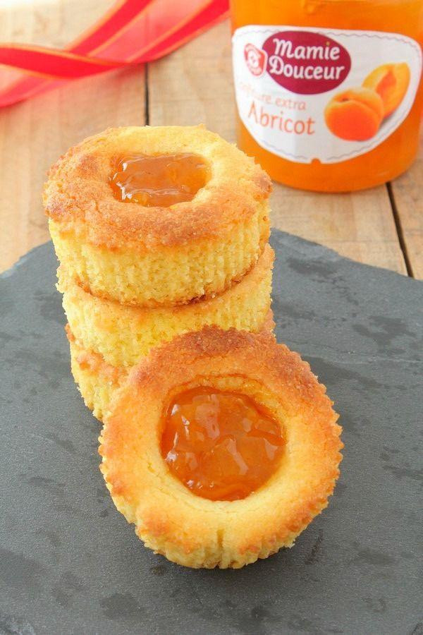 Vous connaissez les gâteaux bretons fourrés à la confiture de pruneau ? Moi j'adore ! J'avais dans la tête l'idée de reproduire ce fameux gâteau breton mais en part individuelle avec de la confiture d'abricot. Pour la pâte sablée, tout simplement repris...