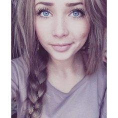 Tumblr Girls With Brown Hair Blue Eyes ❤ liked on Polyvore featuring hair, people and girls