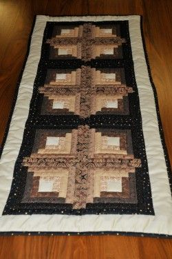 albuquerque quilted table runner   Log Cabin Quilted Table Runner