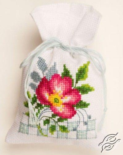 Pink Flowers IIIPN-0146545