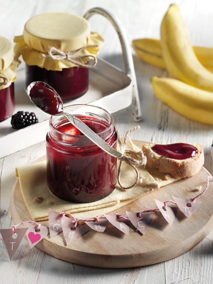 Keine Kerne und eine besonders fruchtige Note: Dieser samtige Aufstrich mit Brombeere und Banane schmeckt einfach himmlisch. #Brombeeren #Banane #Marmelade #Aufstrich #Sommerbeeren #Rezept #Gelierzucker #DiamantZucker