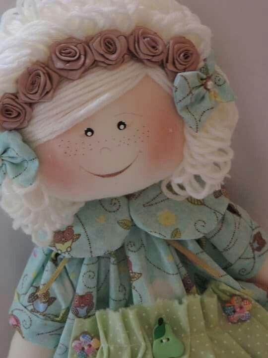 Doll                                                                                                                                                                                 Más
