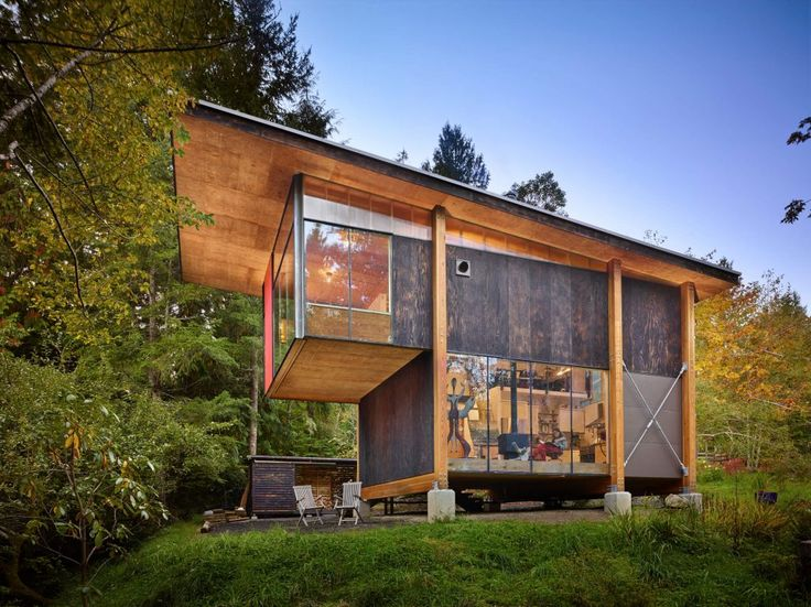 Scavenger Studio Is A Rustic Retreat Set Among The Mountains Of Washington  State