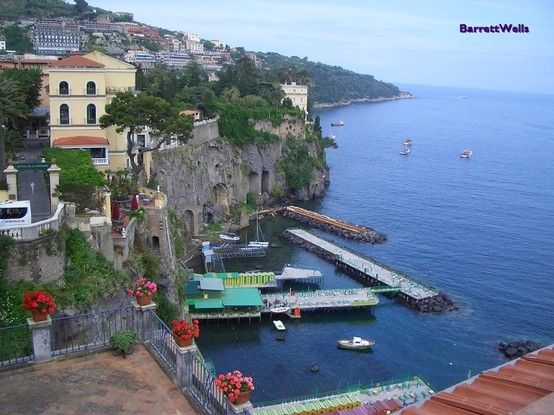 Sorrento, Italy.. My favorite place in Italy!