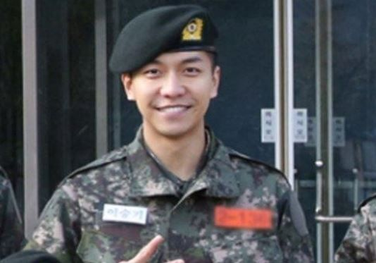"On March 16, Hook Entertainment, Lee Seung Gi's agency, revealed through OSEN, ""We know that Lee Seung Gi was assigned to Special Warfare Command during today's completion ceremony."" He will be serving his time as a special forces soldier there. Lee Seung Gi began his militar..."