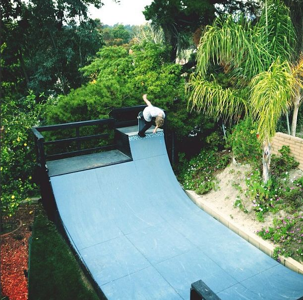 Backyard Skatepark Plans : Skateboard backyard, Skatepark in your garden