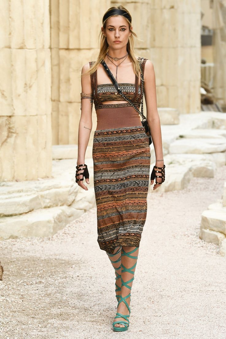 Runway #fashion Resort 18: Karl Lagerfeld took us on a Grecian Isles getaway with Chanel