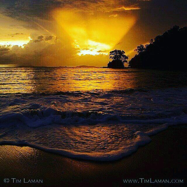 ESPECTACULAR  Atardecer en Isla Coiba =======================