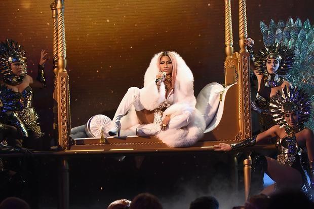 Nicki Minaj Creates A Snapchat Account Nearly Breaks The Internet