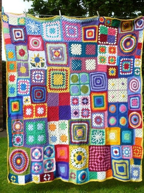 I like the idea of all the different squares, but I'd have to use fewer colors. Emma Varnam blog; Mrs S' blanket.
