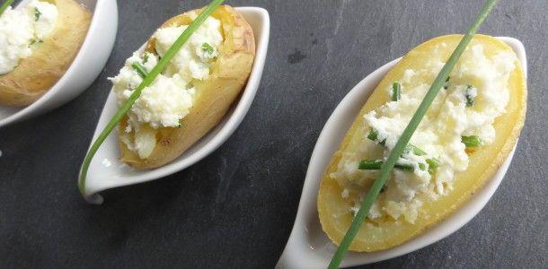 Pommes de terre farcies au fromage frais et à la ciboulette
