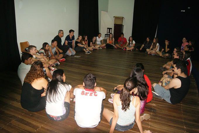 Secretaria de Estado da Cultura oferece oficina de teatro para olimpienses | Notícias | Prefeitura Municipal da Estância Turística de Olímpia-SP
