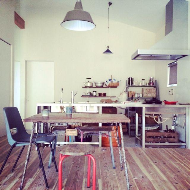 JUNKandRETROさんの、ごちゃごちゃキッチン,ぶち抜いたキッチン,サビサビの鉄脚テーブル,リビングから見たキッチン,平屋,部屋全体,のお部屋写真 もっと見る
