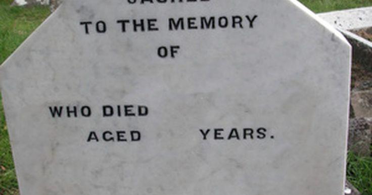 Ideas de epitafios para una lápida. Los epitafios son inscripciones en lápidas. Pueden ser tan simples como el nombre del fallecido y las fechas de nacimiento y muerte o tan elaborados como un poema o descripción de la persona que ha muerto. En algunos casos, el muerto habrá escrito su propio epitafio; cuando no es este el caso, las decisiones relacionadas con el epitafio quedarán ...