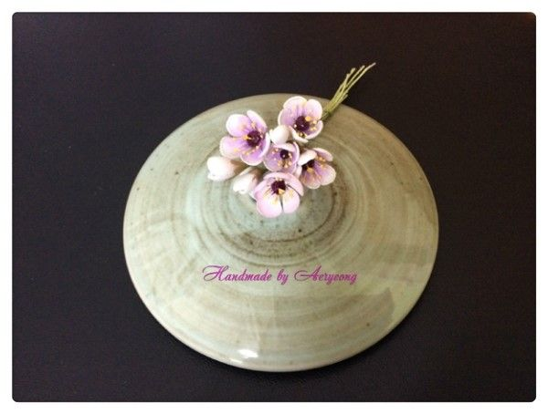 한지공예 한지꽃 천연염색 왁스플라워 Was Flower of Korean Paper,Hanji Flower Crafts (Natural Dyeing) http://blog.naver.com/koreapaperart               #조화공예 #종이꽃 #페이퍼플라워 #한지꽃 #아트플라워 #조화 #조화인테리어 #인테리어조화 #인테리어소품 #에바폼 #디퓨저 #주문제작 #수강문의 #광고소품 #촬영소품 #디스플레이 #artflower #koreanpaperart #hanjiflower #paperflowers #craft #paperart #handmade #왁스플라워