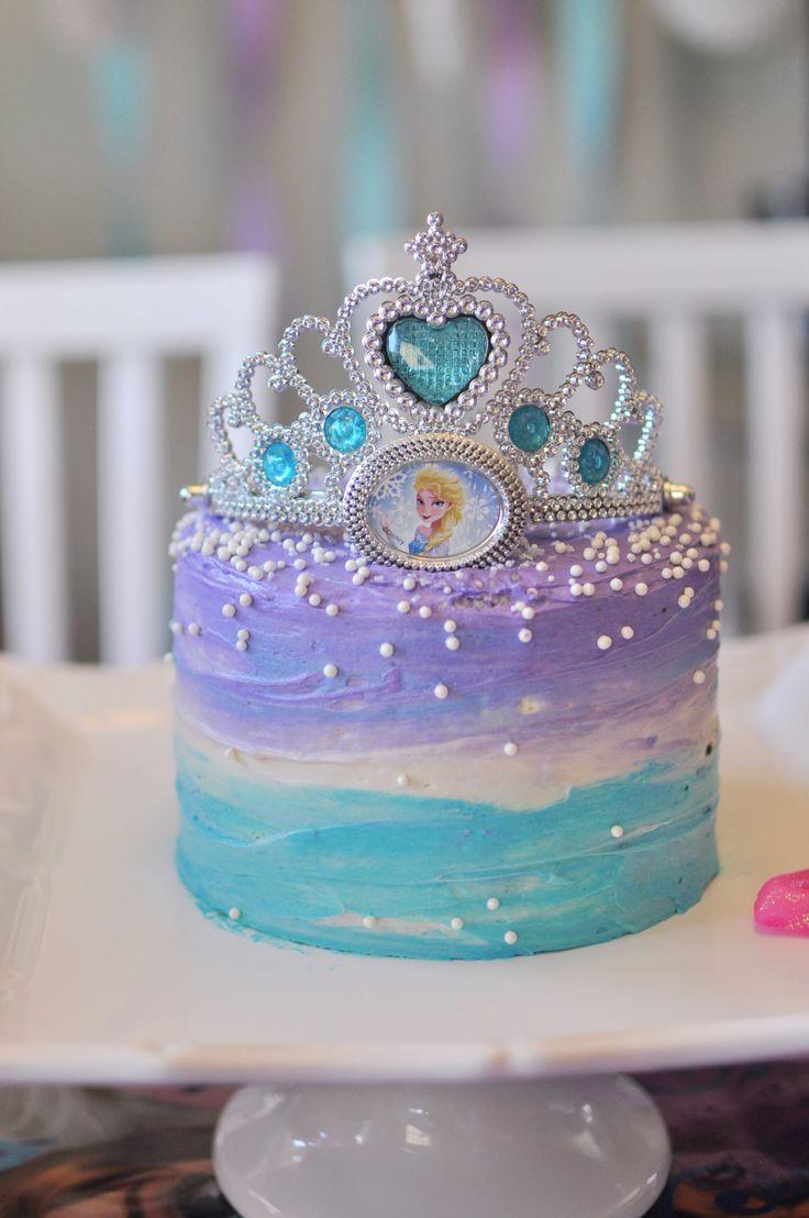 Deliciosa tarta para fiesta temática Frozen. #Frozen #pastel