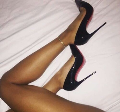 Wife wears heels and pantyhose everyday