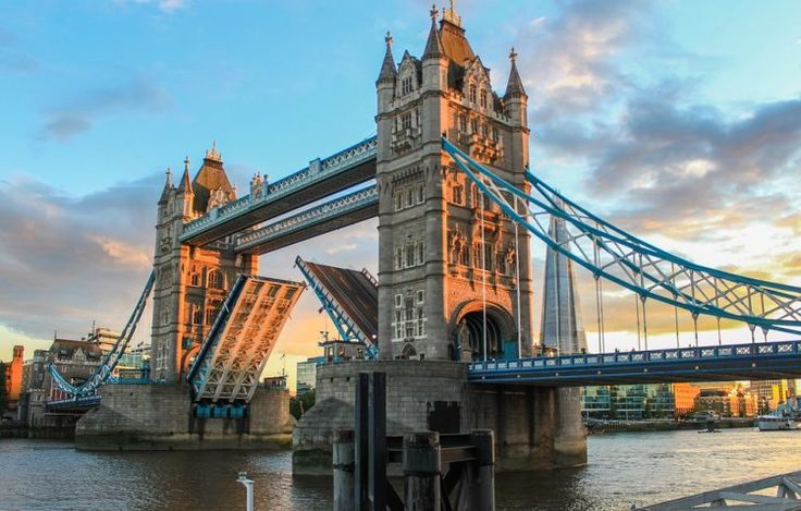 Enjoy London life whilst studying one of our ESOL courses in London, the capital city of the UK, and experience British culture as you master the language.